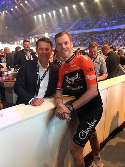 Sandee sponsort Roompot Charles Cycling Team
